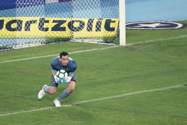 Na partida contra o Grêmio, Gatito defendeu um pênalti (Foto: Reprodução/Facebook/Botafogo FR)