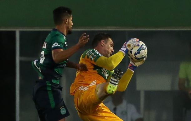 Prass atuando na partida diante da Chapecoense (Foto: Cesar Greco / Fotoarena)