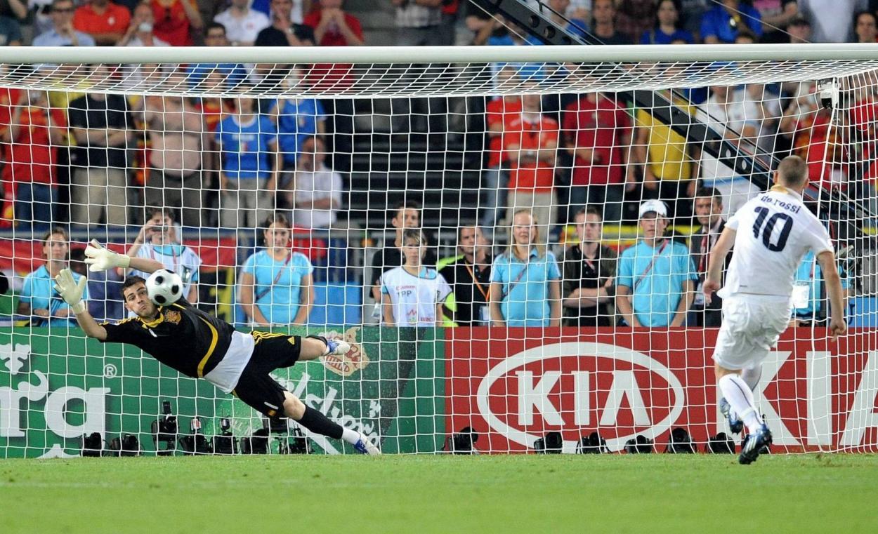 Iker Casillas, héroe ante Italia en la Eurocopa 2008. Foto: Libertad Digital