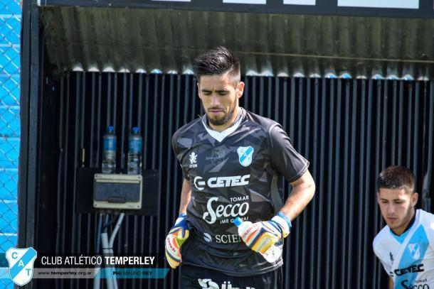 El arquero proveniente de Juventud Unida Universitario de San Luis debutó en la Reserva de Temperley en la fecha 2 frente a Racing Club. Foto | Prensa Temperley.
