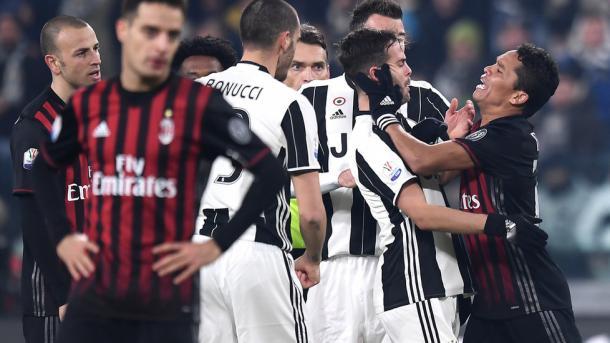 Juventus-Milan, che polemiche. Dybala provoca, Montella risponde: è caos VIDEO