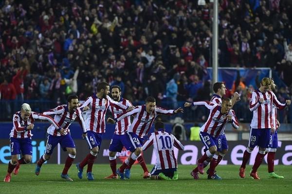 La corsa dei calciatori di Simeone dopo l'errore di Kissling che due stagioni diede il successo all'Atletico. Fonte foto: uefa.com