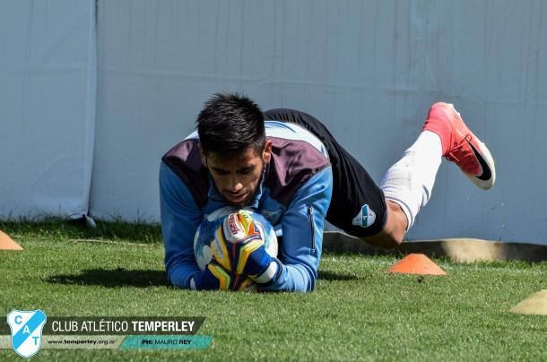 Julián Lucero sueña día a día debutar en la Primera División. Foto | Prensa Temperley.
