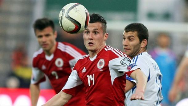 Taulant Xhaka debutó a los mandos de De Biasi     Fotografía: UEFA.com