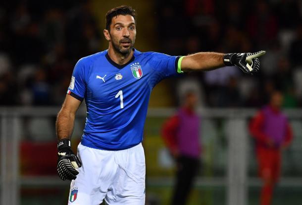 Buffon estrenando camiseta azzurra / Foto: Nazionale Italia