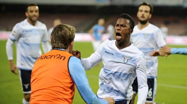 Keita Balde Diao esulta dopo il gol preziosissimo, messo a segno a Napoli. Fonte foto: corrieredellosport.it