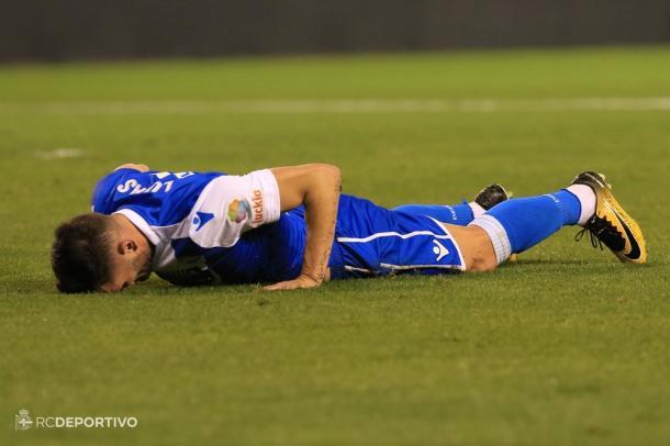Lucas se lamenta tras una ocasión fallada / Foto vía RC Deportivo
