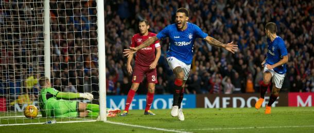 Goldson celebra su gol ante el Ufa en la fase previa de la Europa League | Foto: Rangers FC