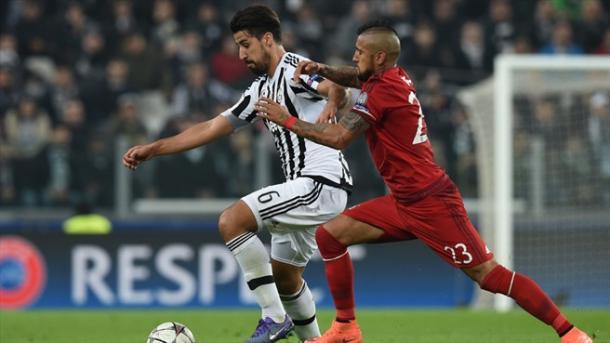 Vidal vivió uno de sus mejores partidos como jugador del Bayern. // (Foto de es.uefa.com)