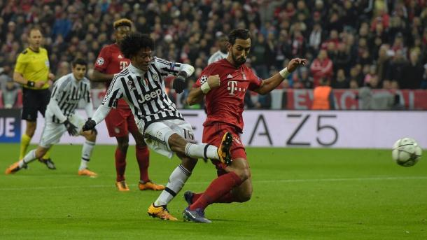 Cuadrado deservedly double Juve's advantage on 29 minutes. | Photo: UEFA