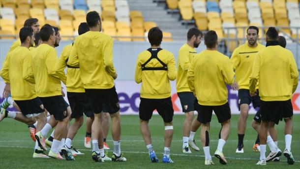 Anche il Siviglia si è allenato ieri allo stadio di Leopoli. Fonte: AFP/Getty Images.