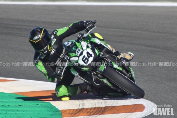 Martínez sobre la Kawasaki en la última carrera del año. Foto: Rocío Hellín | Vavel España.