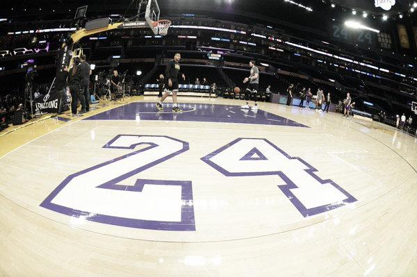 Así fue dispuesto el parqué del Staples Center en honor a Kobe // NBA