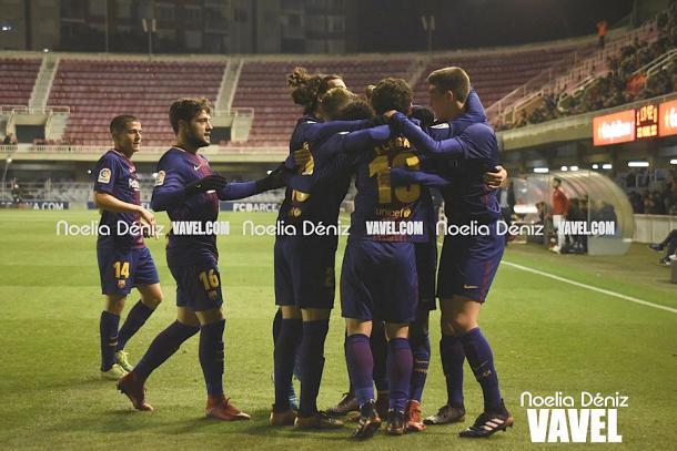 El Barça B celebrando un gol ante el Sporting de Gijón. Foto: Noelia Déniz, VAVEL