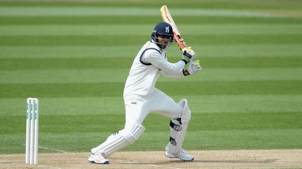 Chopra leads the way for Warwickshire with an impressive century | Photo: Getty Images