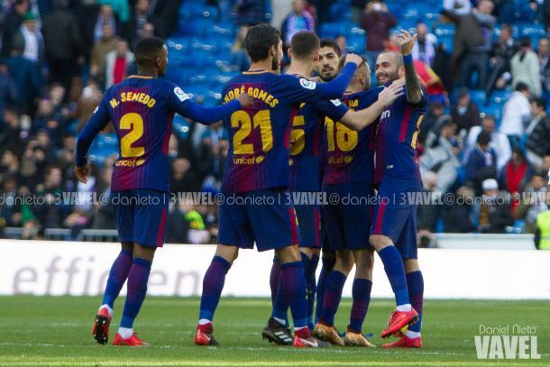 Aleix Vidal celebra junto a sus compañeros la victoria frente al Real Madrid   Foto: VAVEL.com, Dani Nieto