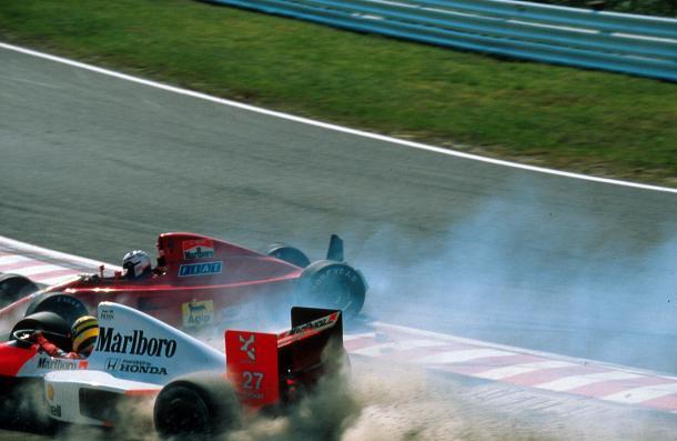 Inciedente de Senna y Prost en la salida ( fuente: https://www.taringa.net/+formula1/gran-premio-de-japon-de-1990_1897b0)