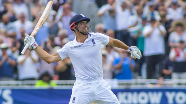Cook celebrates his 29th test century | Photo: Getty