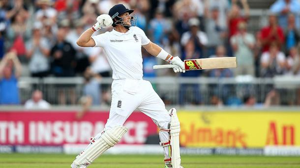 Root celebrates his 10th test century | Photo: Getty
