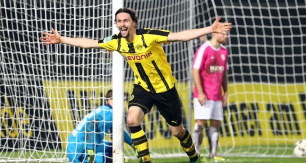 Subotic puede volver a los terrenos de juego 252 días después | Foto: Borussia Dortmund