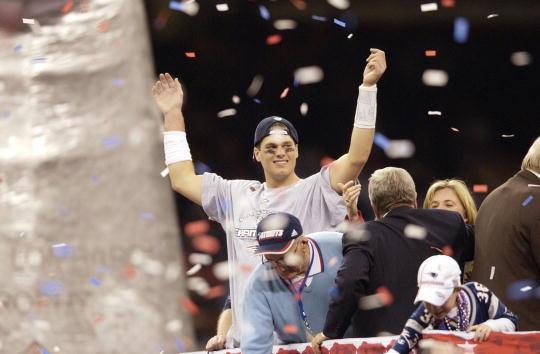 Aos 24 anos, Brady conquistou seu primeiro Super Bowl em 2003 | Foto: Ezra Shaw/Getty