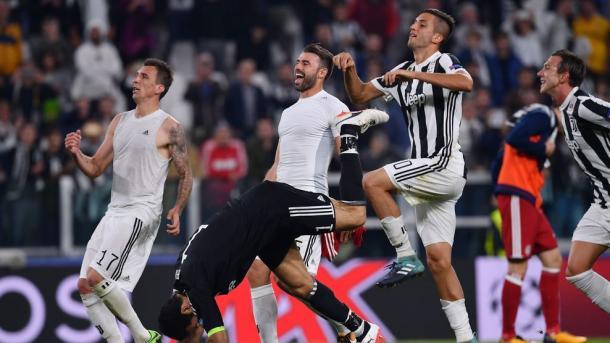 Jugadores de la Juventus celebrando el triunfo en la jornada dos ante el Olympiacos / Foto: UEFA.com