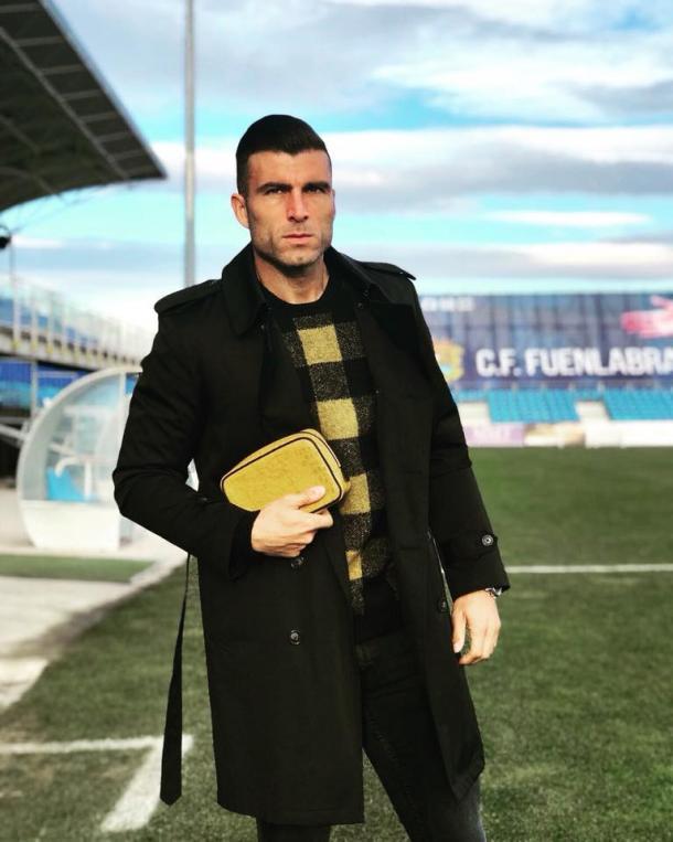 El futbolista Armando Lozano también ha querido sumarse a la moda   Foto: Bradley's