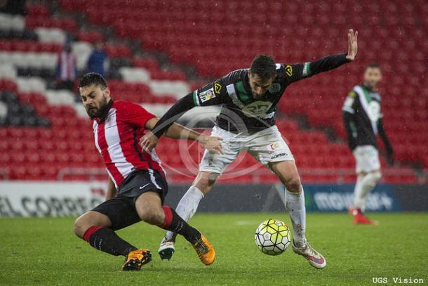 Asier Villalibre durante un partido | Foto: UGS Visión.