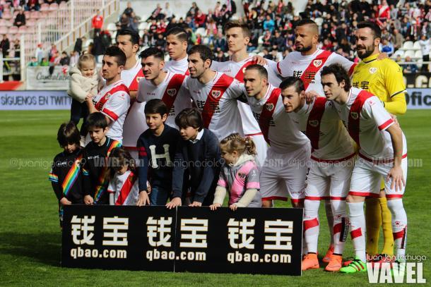 El once inicial del Rayo Vallecano en el partido disputado en Vallecas frente al Sevilla | Foto: VAVEL.com