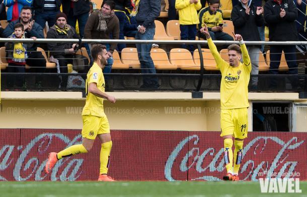 Leo Baptistao y Castillejo celebrando el 2-0