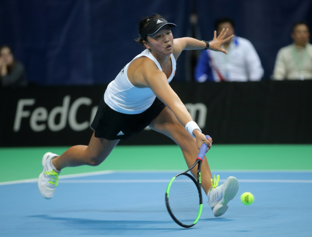 Lee reaches out for a ball | Photo: Fed Cup/Andrei Golovanov