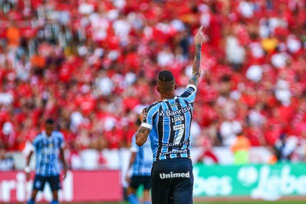 Luan da show no Beira-Rio (Foto: Lucas Uebel / Grêmio FBPA)