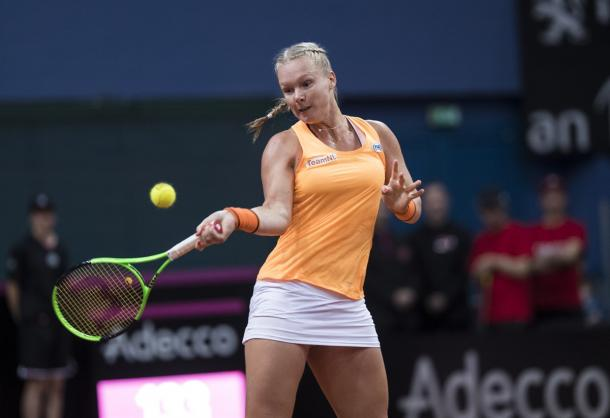 Kiki Bertens hits a forehand in Fed Cup competition days ago | Photo: Henk Koster/Fed Cup