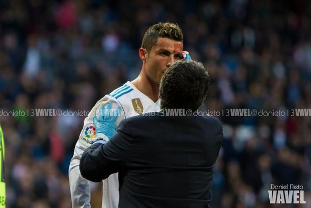 Cristiano es atendido.// Imagen: Daniel Nieto (VAVEL)