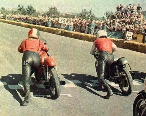 Grandes duelos entre Hailwood y Agostini en 350cc y 500cc. Foto: Pinterest