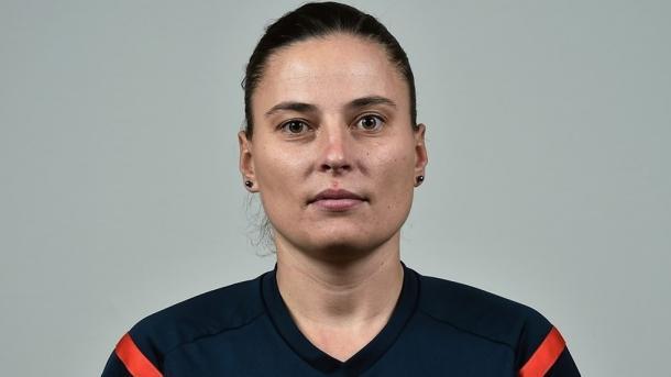 Anastasia Pustovoitova, árbitra del Lyon-Barça. FOTO: UEFA.com
