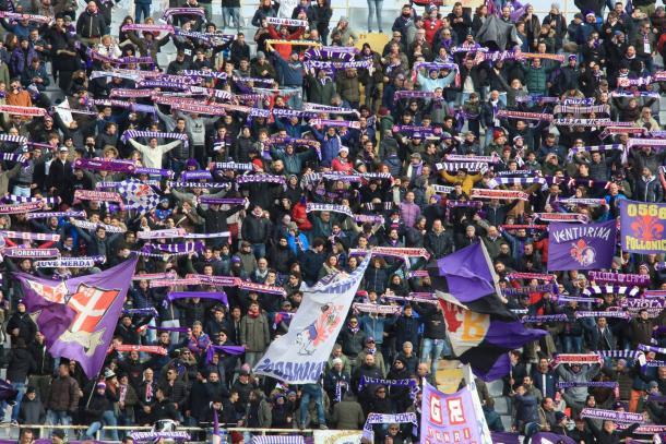 La afición 'viola' celebrando el gol de Simeone / Foto: Fiorentina