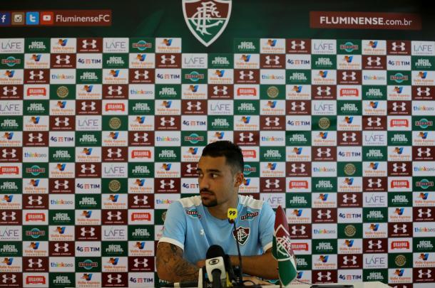 Robinho caiu nas graças da torcida e do técnico Abel Braga (Foto: Lucas Merçon/Fluminense FC)