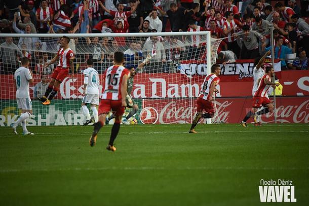 Los jugadores del Girona celebran el tanto de Portu frente al Real Madrid. | Foto: Noelia Déniz