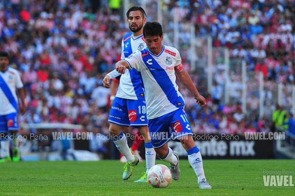 Matías Alustiza ante Chivas en el Estadio Cuauhtémoc I Foto: Rodrigo Peña