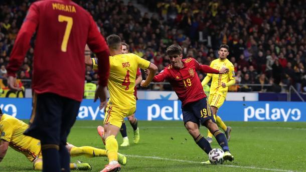 Gerard Moreno remata para anotar su segundo gol / Foto: UEFA