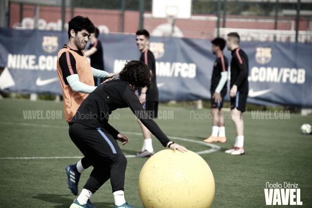 Aleñá y Cucurella en el entrenamiento del filial azulgrana | Foto de Noelia Déniz, VAVEL