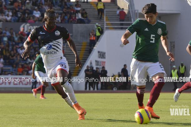 Julian Quiñones durante el amistoso ante la Selección Sub 21 | Foto: Rodrigo Peña (VAVEL)
