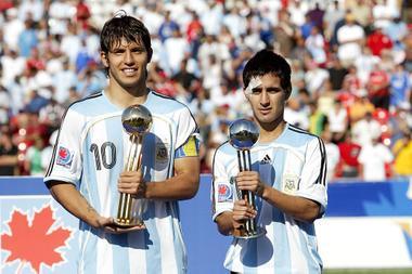 Moralez y Aguero con sus trofeos. Foto: Internet.