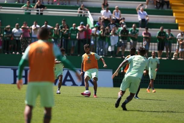 Chape abriu treinamento na véspera da final, mas dúvida no meio-campo permanece (Foto: Sirli Freitas/Chapecoense)