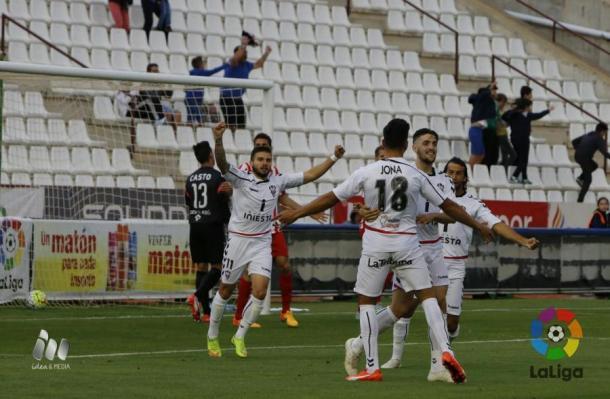 El Albacete celebra uno de sus tantos ante el Almería | Foto: LFP.
