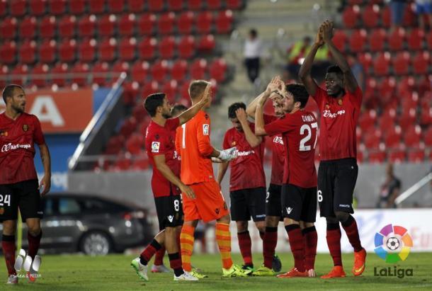 El Mallorca celebra su primera victoria en Liga | Foto: LFP.