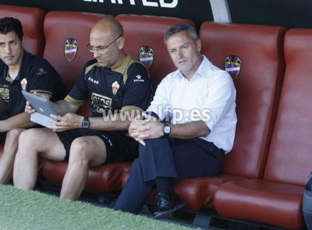 Fran Escribá en su último partido como entrenador del Elche | Foto: LFP.