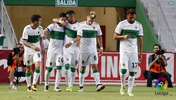 Los jugadores celebran un gol | Foto: LFP.