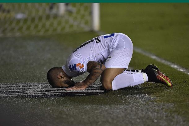 Em seu último jogo pelo Santos antes de se apresentar à Seleção, Gabigol mostrou seu amor pelo clube (Foto: Ivan Storti / Santos FC)